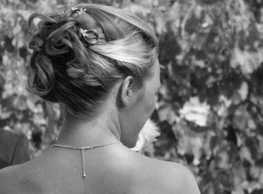 poročne frizure 2017