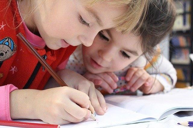 otroci učenje zvezek
