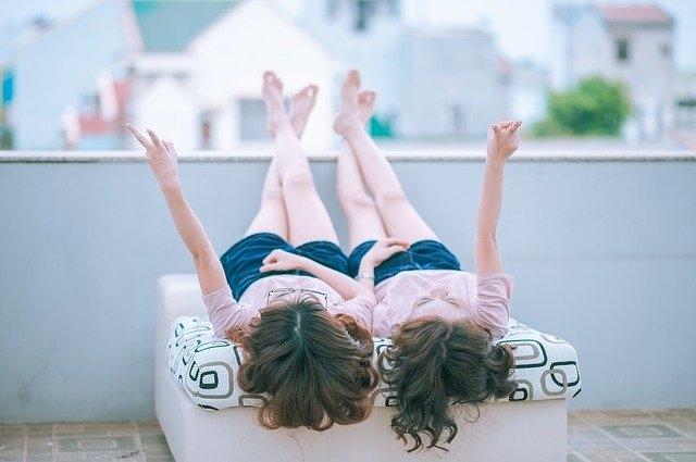 partnerski odnosi moč dekleti