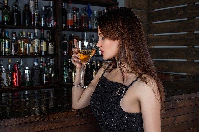 alkoholizem pitje pri ženskah