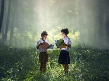 mali junaki pesmice za sončne dni