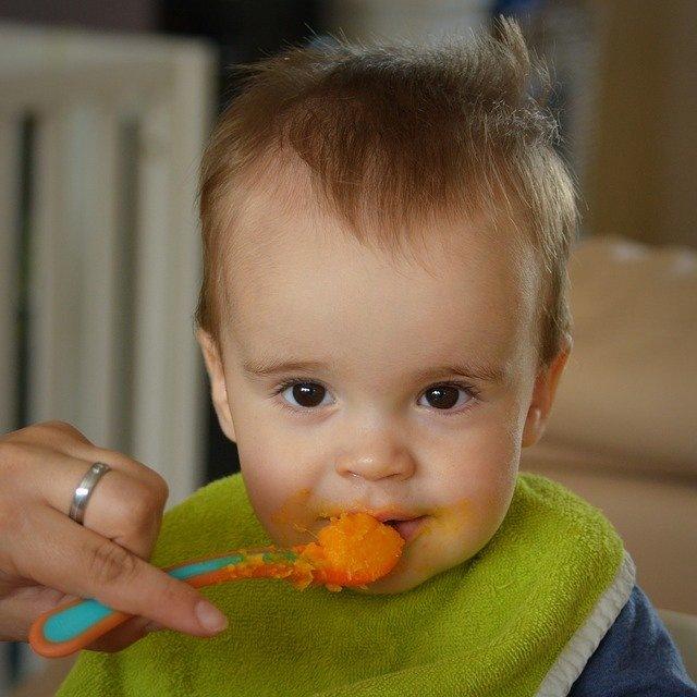 otroška prehrana žlica