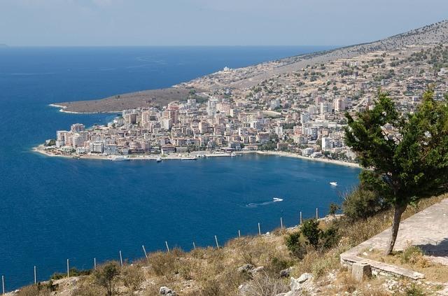 albanija potovanje po albaniji tirana klif