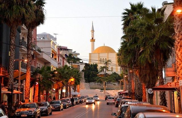 albanija potovanje po albaniji tirana kruje
