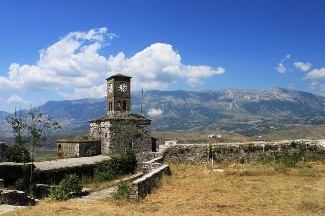 albanija potovanje po albaniji tirana stavba