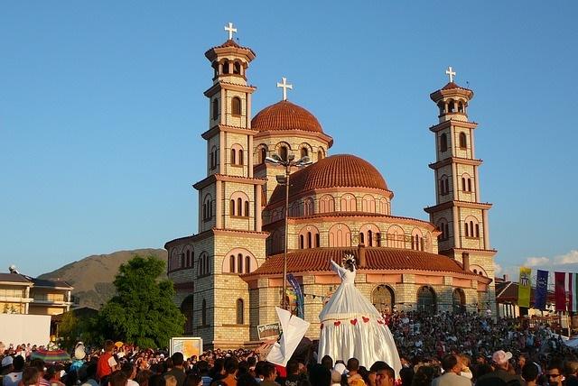 albanija potovanje po albaniji tirana ulica