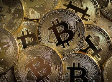 gotovine kripto valute mobilna plačila plačilne kartice