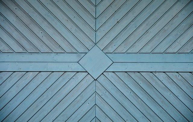 garažna vrata lesena