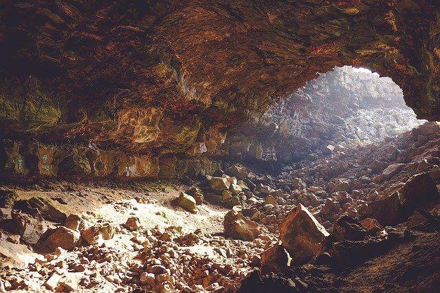 briška jama skalovje