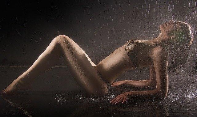 erotika knjiga ljubezen dež
