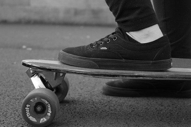 bmx rolanje rolkanje skatepark skiro šport urbani šport čevelj