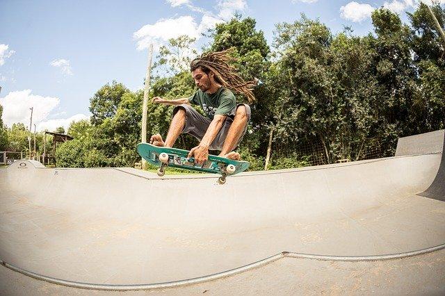 bmx rolanje rolkanje skatepark skiro šport urbani šport obrat