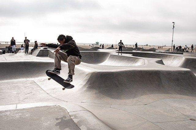 bmx rolanje rolkanje skatepark skiro šport urbani šport poligon