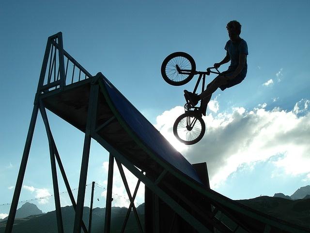 bmx rolanje rolkanje skatepark skiro šport urbani šport rekreacija