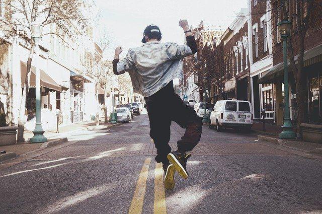 breakdance center urbanih športov hip hop plezanje šport urbani šport kapuca