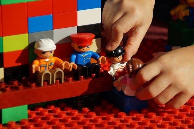 igrače lego kmetija