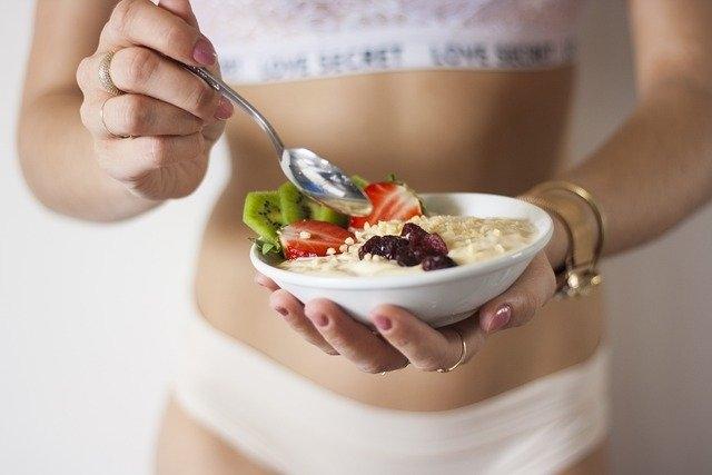 anorekija pojedla sem anoreksijo špela kranjec suha