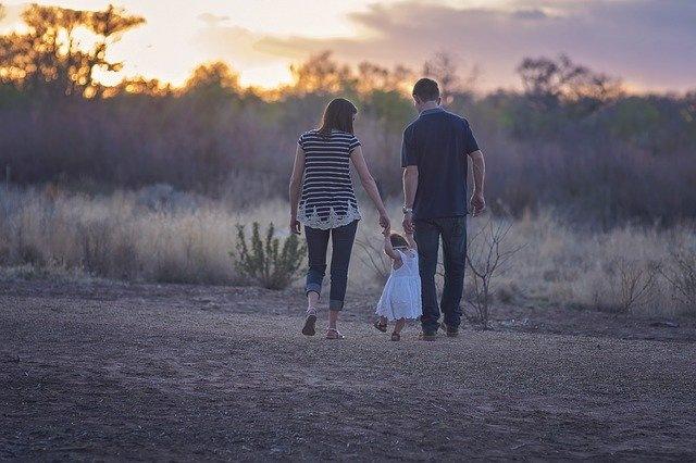 sreča mir družina