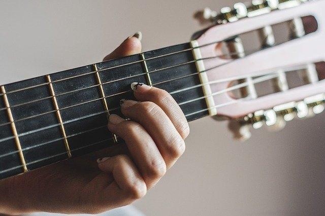 glasbena igra muzikalus kitara