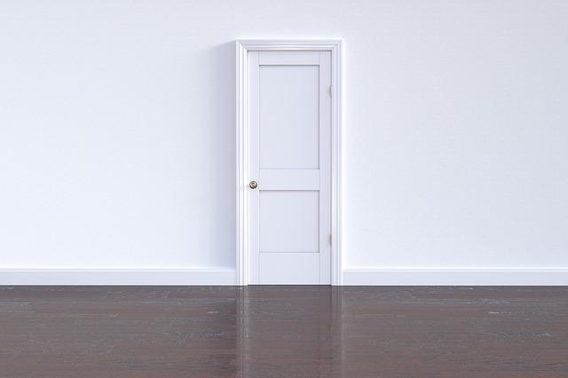 vhodna vrata bela