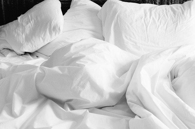 posteljnina postelja