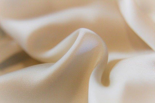 posteljnina svila