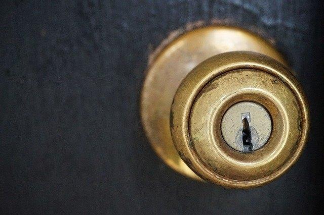 vhodna vrata pirnar kljucavnica