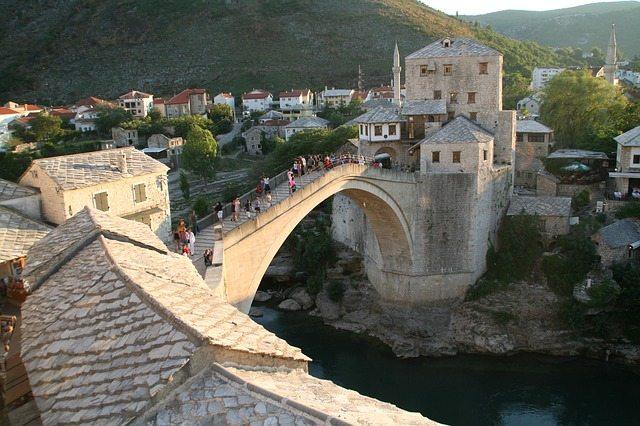 bosna hercegovina mostar-titovo atomsko zakonisce most