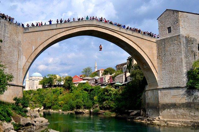 bosna hercegovina mostar-titovo atomsko zakonišče skok