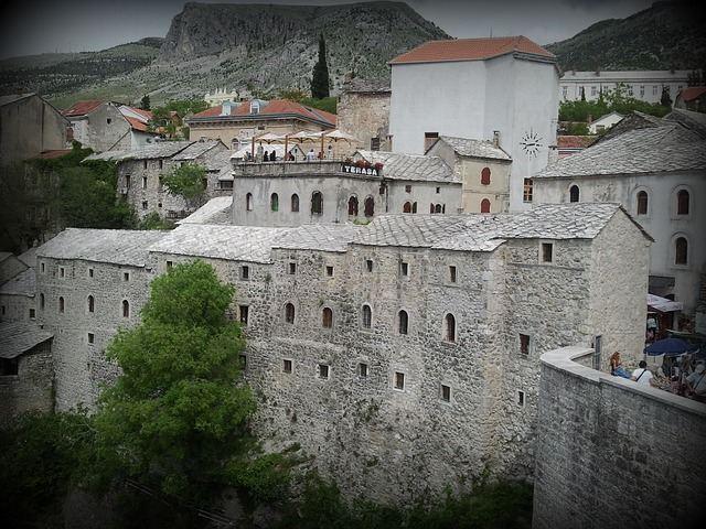 bosna hercegovina mostar-titovo atomsko zakonišče zid