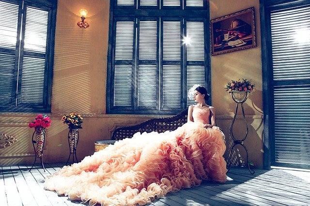 svečane obleke dekle